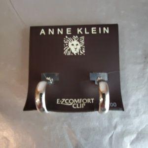 NWT Anne Klein Silver Toned Clip On Earrings